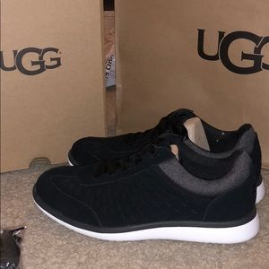 Ugg Victoria sneaker black and gray size 7